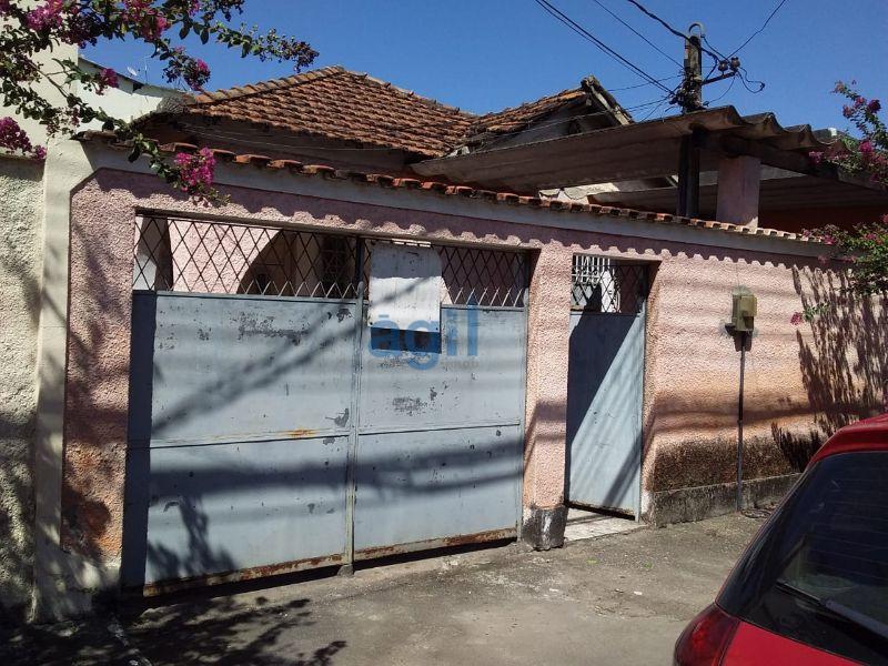 ÁGIL VENDE CASA NO CENTRO DE NOVA IGUAÇU METROPOLE, COMPOSTA DE 4 QUARTOS, 2 BANHEIRO SOCIAL, COPA COZINHA AMPLA, SALA DE ESTAR, PISCINA, QUINTAL, TERRENO COM 337M2, COM UMA ÓTIMA LOCALIZAÇÃO PERTO DE TUDO, PRÓXIMO A VIA DUTRA, E RUAS, COM NILO PEÇANHA E OTÁVIO TARQUÍNIO, VIA LIGHT, SENAC DE NOVA IGUAÇU, NICC - Nova Iguaçu Country Club, SINE Nova Iguaçu, MERCADOS, BANCOS, FARMÁCIAS, Chatuba Materiais de Construção - Nova Iguaçu SÃO 2 CASAS QUE PRECISAM DE REFORMAS. PREÇO ABAIXO DO VALOR DE MERCADO, ÓTIMO PARA INVESTIR.   DOCUMENTAÇÃO OK CRISTALINA ACEITA FINANCIAMENTO, CARTA DE CRÉDITO